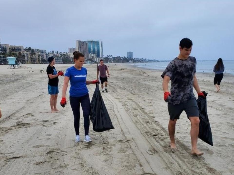 Long Beach Cleanup | Leadership Program 2019